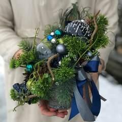 Рождественская композиция в синих тонах/ Cold