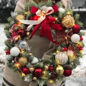 Рождественский венок на дверь/ Confetti