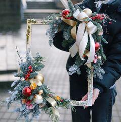 Багет с новогодним декором