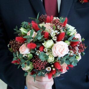 Букет невесты с винными акцентами