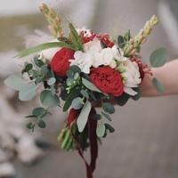 Букет невесты с ранункулюсами и туберозой