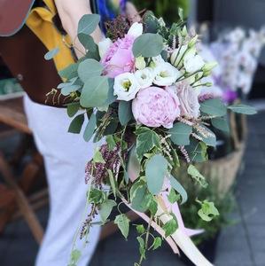 Букет невесты с ниспаданием