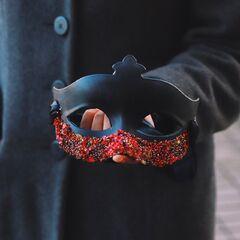 """Красно-черная карнавальная маска """"Коломбина"""""""