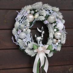 Рождественский венок с серебряным лосем