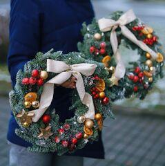 Рождественский венок в красно-золотой гамме/ Orange